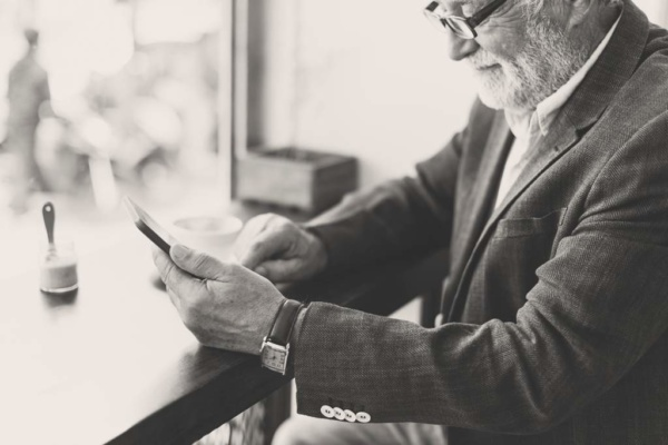 Mobile App vs Mobile Web Which One Do I Need as a Small Business