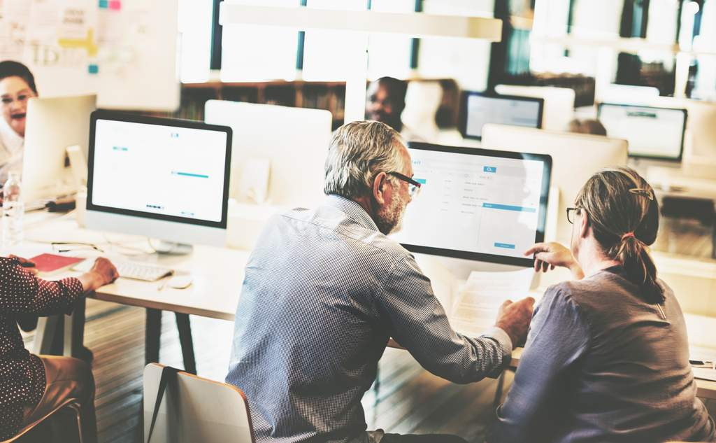 Top 4 Tips For Teaching An Online Tech Course
