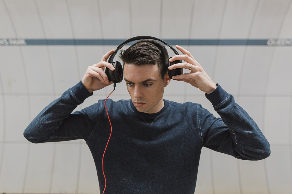 Crisp, clear music is possible via good headsets